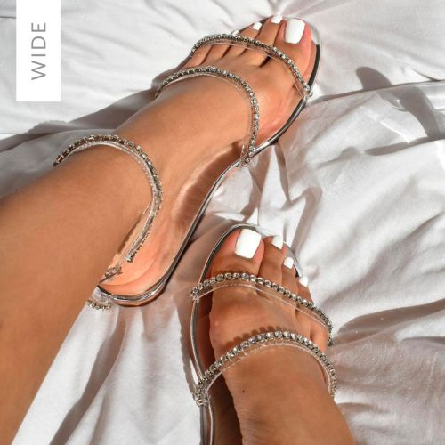 Wide Fit Flats: Slides, Sandals, Lace